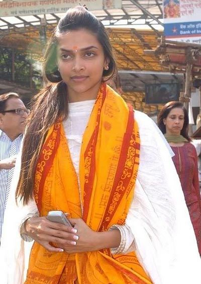 deepika padukone darshan of siddhivinayak ganpati