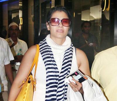 Kajol Without Makeup at Mumbai International Airport