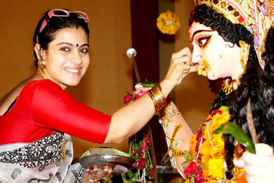 Kajol Without Makeup at North Bombay Durga Puja Sindoor Utsav