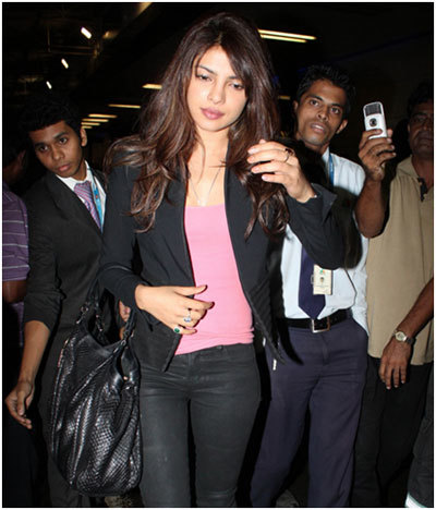 priyanka chopra at mumbai airport
