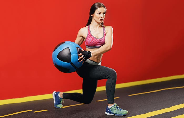 Medicine Ball Exercises For The Arms And Shoulders - Figure-8 Scoop