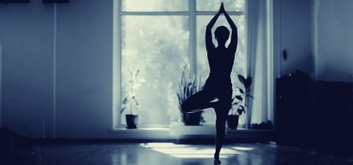 15-Simple-Tips-For-Practicing-Yoga-At-Home