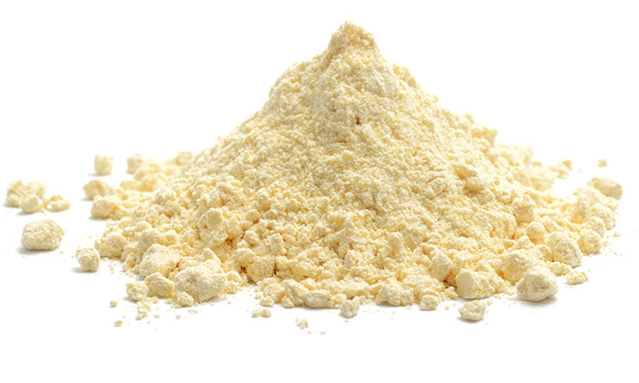 2. Curd And Besan (Gram Flour) Face Pack
