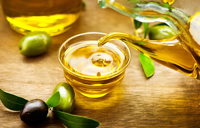 21.-Olive-Oil-For-Dark-Circles