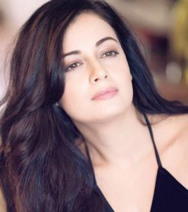 10 Pictures Of Dia Mirza Without Makeup