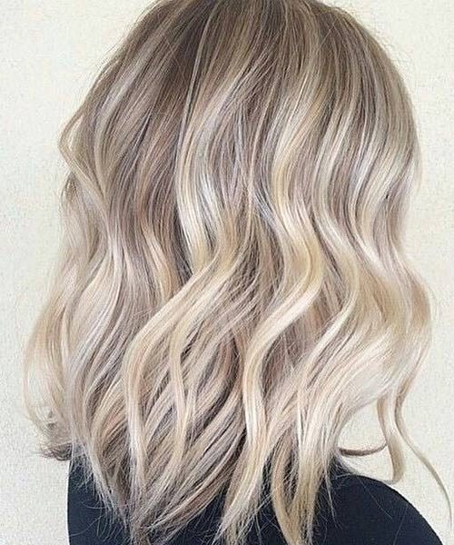 4. Beachy Waves Long Bob