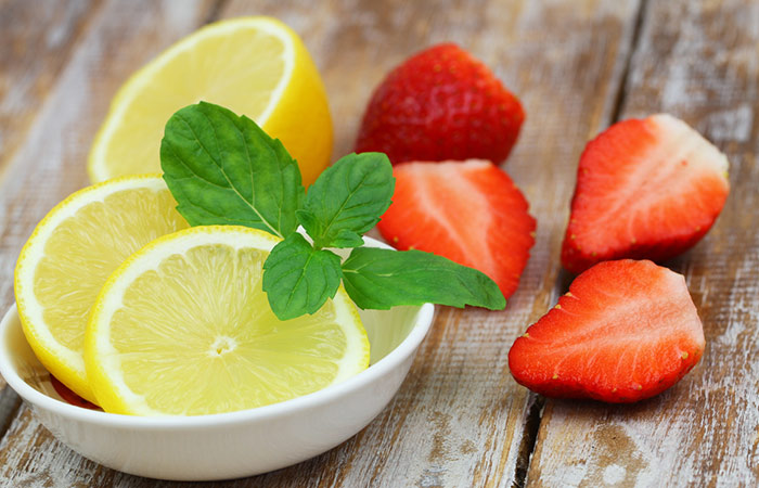 4.-Strawberry-And-Lemon-Face-Pack-For-Glowing-Skin