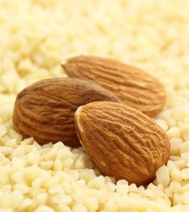 5 Effective Almond Face Packs That You Can Try
