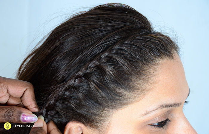 7.-Adjust-the-position-of-your-lace-braid