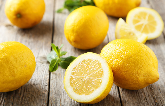 7.-Lemon-And-Apple-Cider-Vinegar-For-Dandruff
