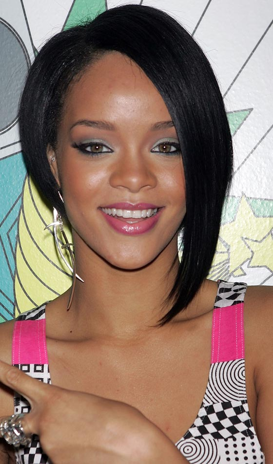 8.Rihanna's-Short-Cropped-Asymmetrical-Hairstyle