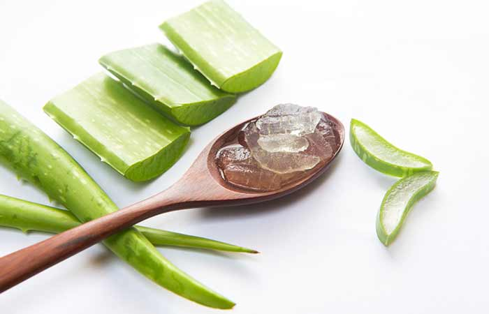 Get Rid Of Oily Hair Naturally - Aloe Vera