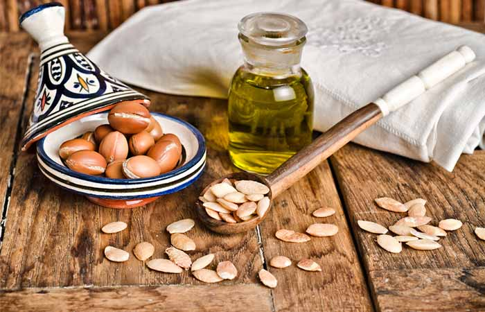 Get Rid Of Oily Hair Naturally - Argan Oil