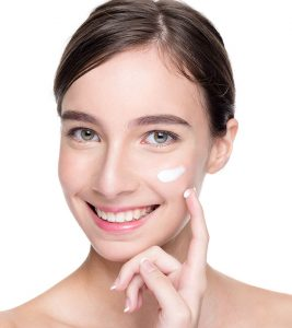 Best Cleanser For Dry Skin Available In India – Our Top 10