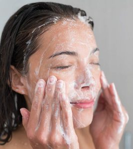 10 Best Face Washes For Oily Skin for 2019
