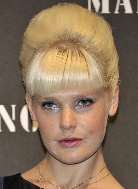 Blonde-Beehive-Updo-with-Heavy-Fringes