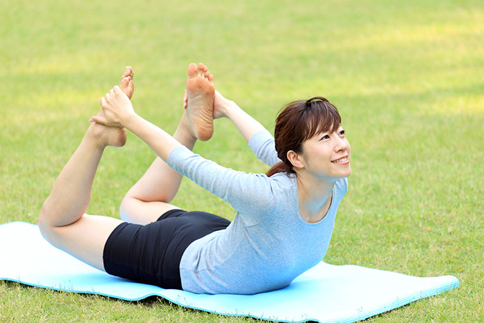 Dhanurasana for skin