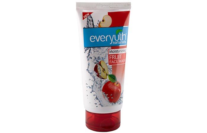 Everyuth Naturals Moisturizing Fruit Face Wash