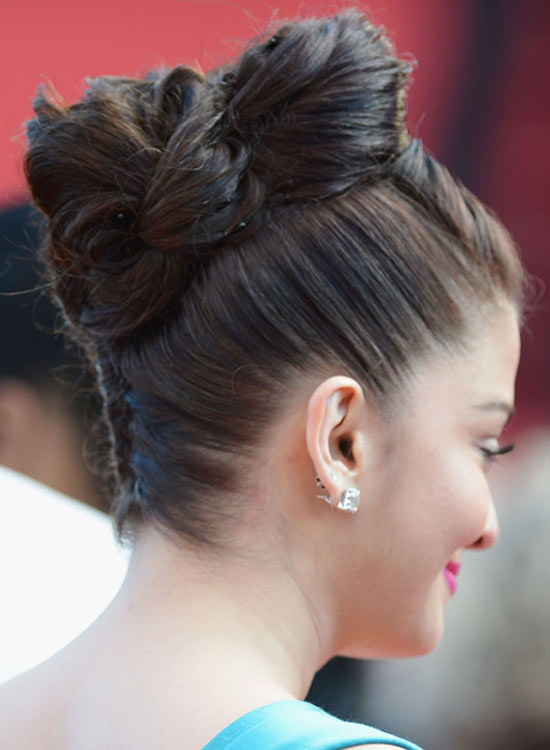 Awesome 50 Indian Bridal Hairstyles That You Should Definitely Check Short Hairstyles For Black Women Fulllsitofus