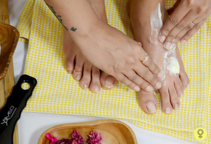 Intensely Moisturizing Your Feet