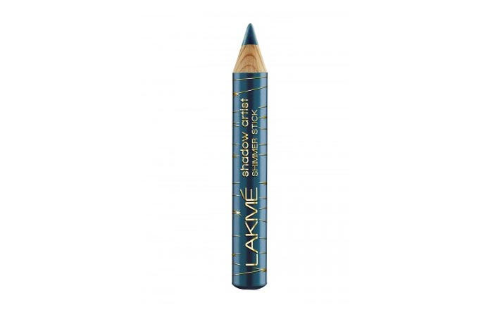 Lakme-Shadow-Artist-Shimmer-Stick-Astral-Blue-05