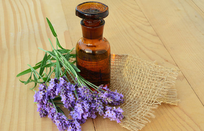 Lavender-Oil-And-Tea-Tree-Oil-For-Acne