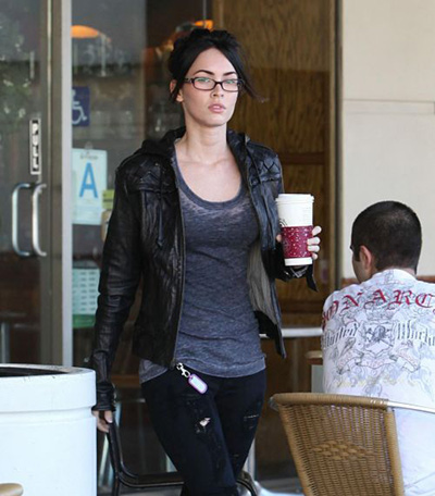 Cute Megan Fox Without Makeup Caught at a Coffee Shop