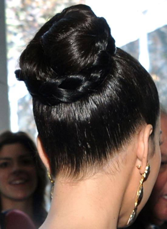Cool 50 Indian Bridal Hairstyles That You Should Definitely Check Short Hairstyles Gunalazisus
