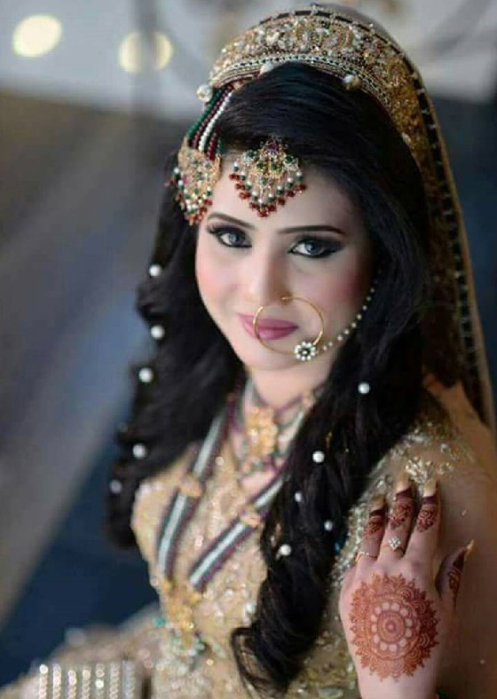 40 indian bridal hairstyles perfect for your wedding 37 pearl studded curls junglespirit Images