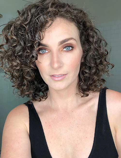 50 Chic Curly Bob Hairstyles , With Images And Styling Tips