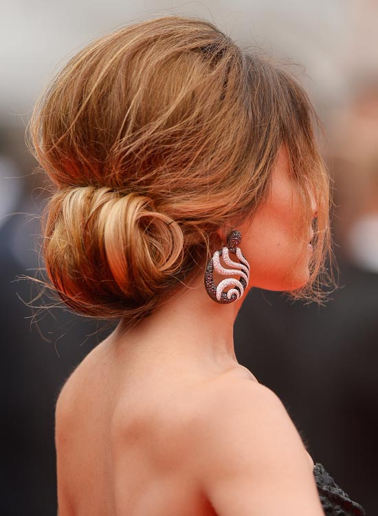 Rolled-Updo-with-Puffy-Crown-and-Side-Bang
