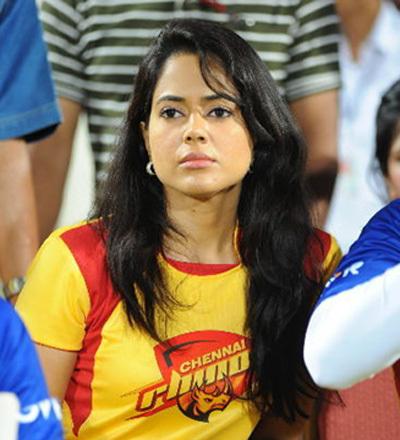 Sameera Reddy At Telugu Warriors Vs Chennai Rhinos Match