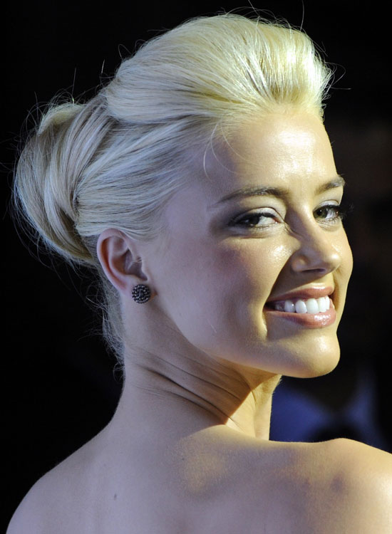 Bun Hairstyles For Long Hair - Smart-Bun-with-Pretty-Pompadour