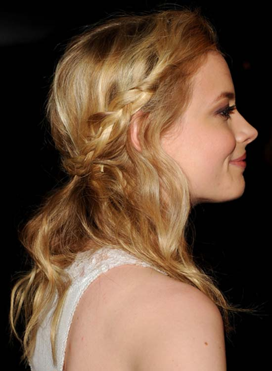 Twisted-and-Braided-Hair-with-Loose-Waves