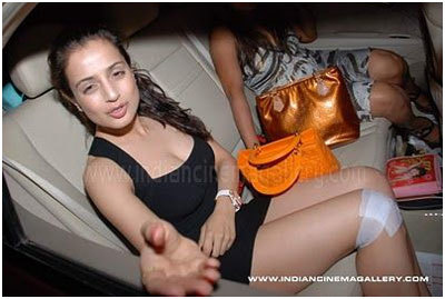 amisha patel fashion