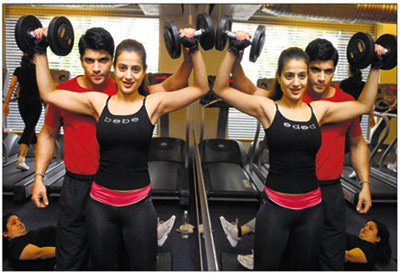amisha patel workout in gym