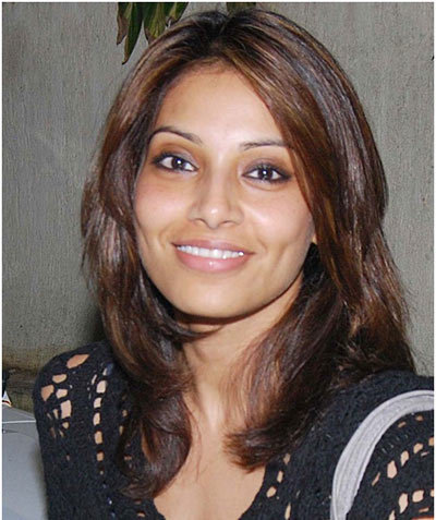 bipasha basu simple