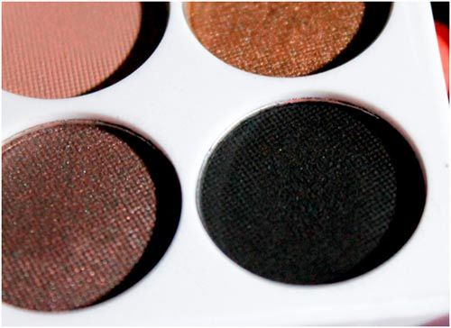 black eyeshadow makeup