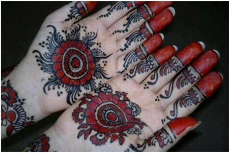 black mehndi for hands