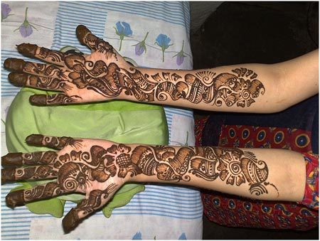 Mehndi Designs Roll : Top shaded mehndi designs to try in