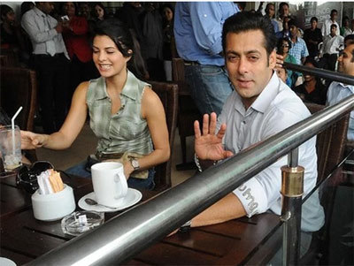 Jacqueline Fernandez with Salman Khan in a Coffee Shop