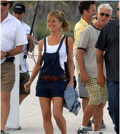Jennifer Aniston Without Makeup In Short Dungaree