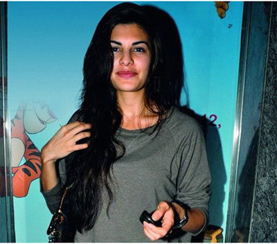 Jacqueline Fernandez in Her Hometown with Sri Lankan Casuals