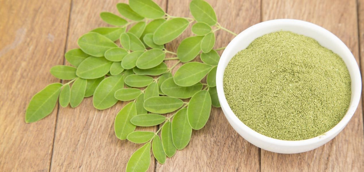 17-Best-Benefits-Of-Moringa-Powder_Banner-Image