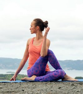 How To Do The Ardha Matsyendrasana And What Are Its Benefits