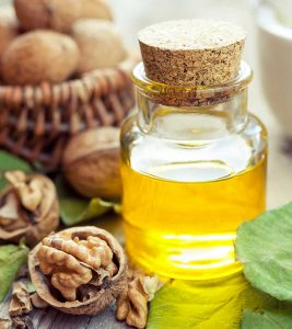 10 Amazing Benefits Of Walnut Oil For Skin, Hair And Health