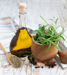 29 Best Benefits Of Oregano Oil For Skin, Hair, And Health