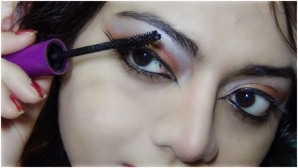 Bronze eye makeup 10