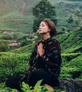 Dhyana Yoga – What Is it And What Are Its Benefits?