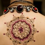 Gorgeous-Glitter-Mehndi-Designs-–-Our-Top-10-Picks-For-2018